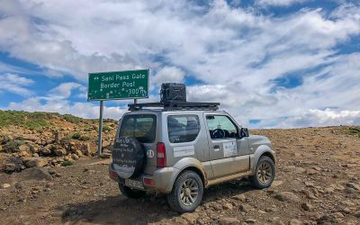 Scaling Sani Pass in a Suzuki Jimny